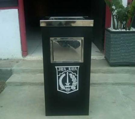 tempat sampah stainless